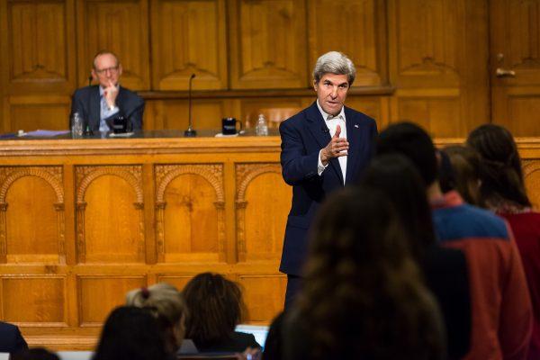 Visit by Sec. John Kerry draws capacity crowd